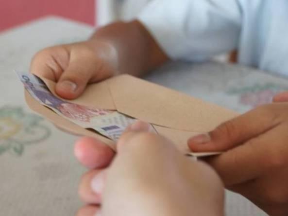 Bantuan-Khas-Awal-Persekolahan-RM100